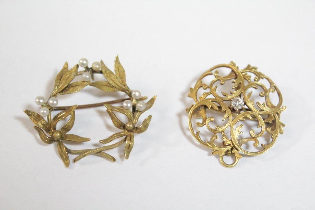 2 Victorian 9K Y/G brooches