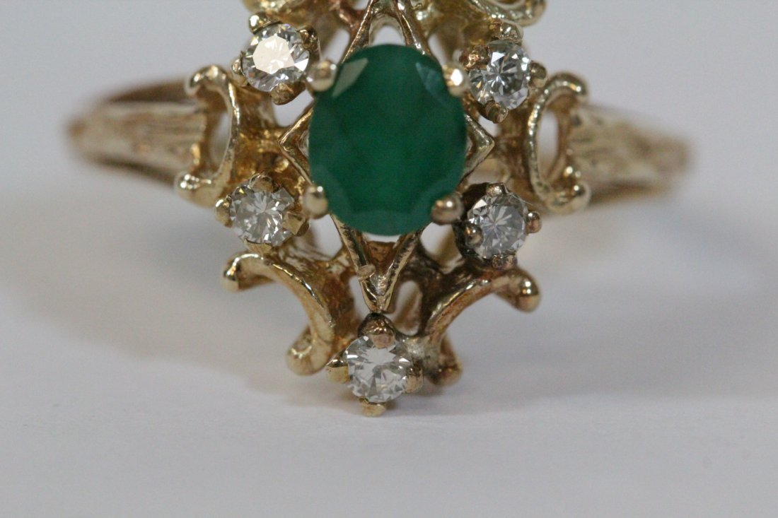 Victorian emerald and diamond ring - 9