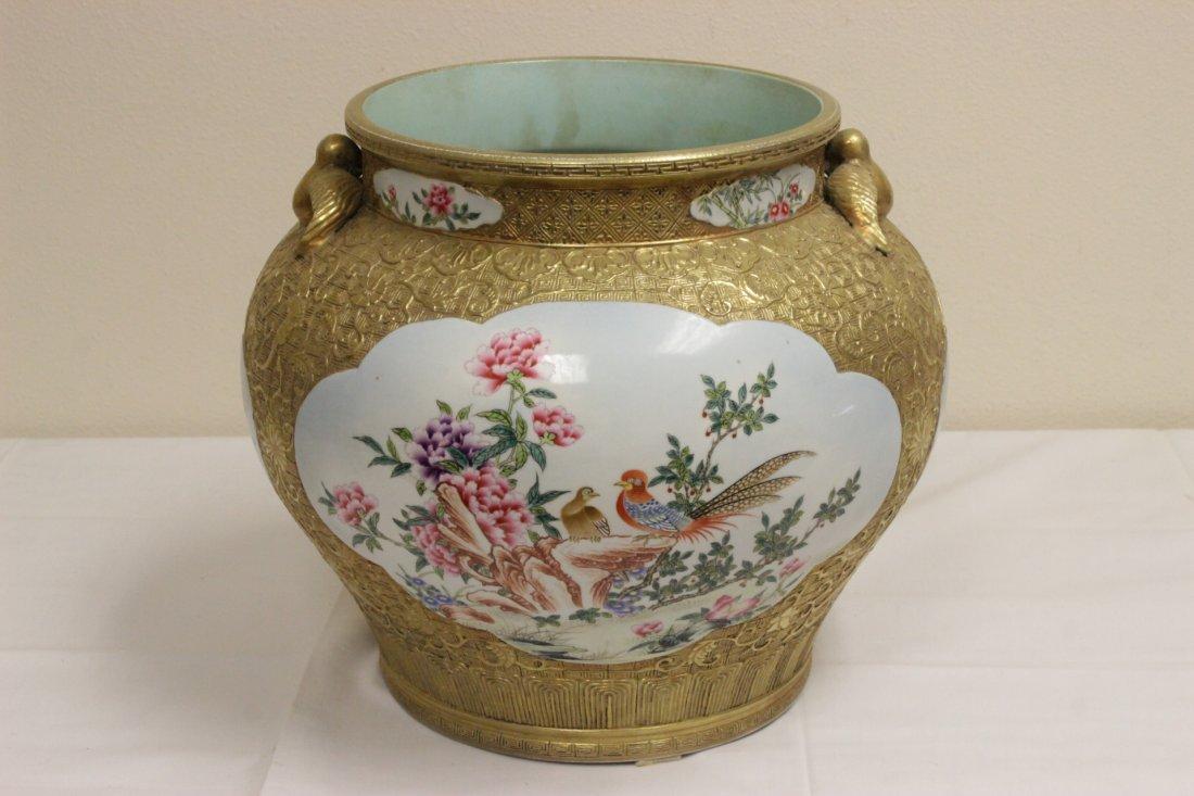 Chinese gold leaf famille rose porcelain jar - 3