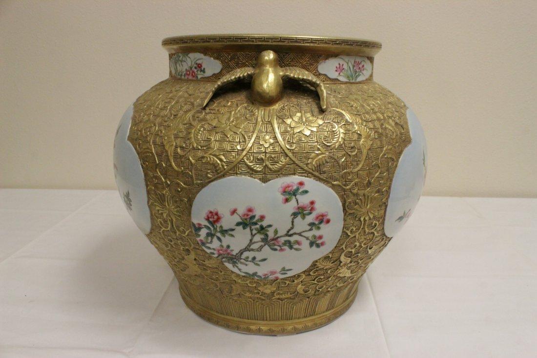 Chinese gold leaf famille rose porcelain jar - 7