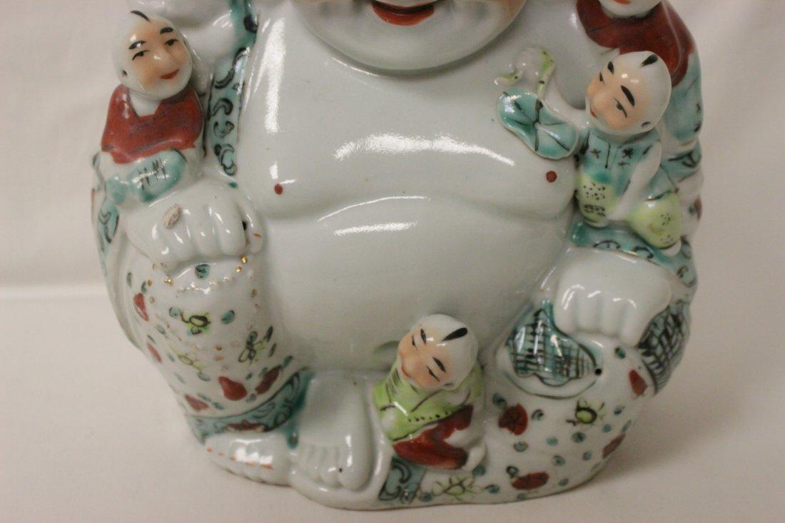 Chinese wucai porcelain seated Buddha - 2