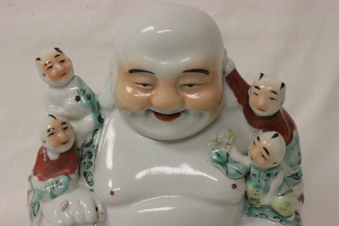 Chinese wucai porcelain seated Buddha - 3