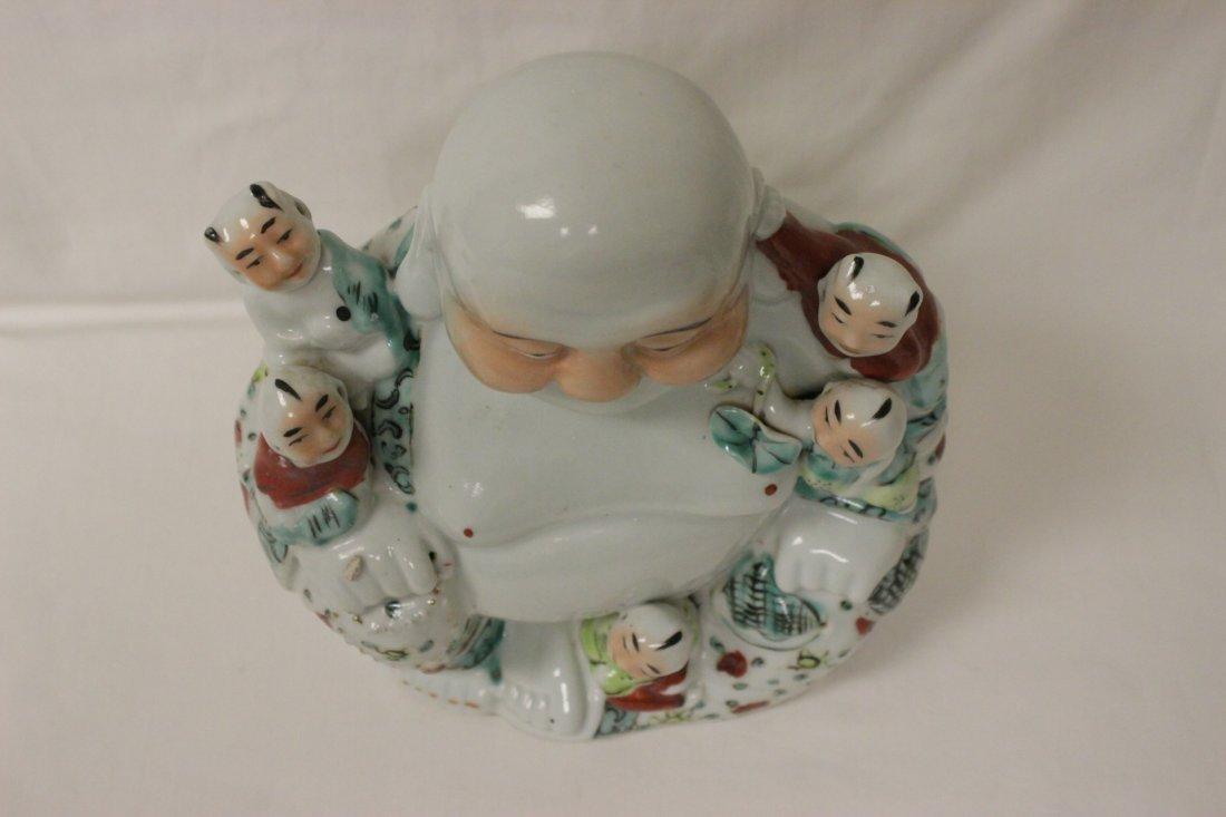 Chinese wucai porcelain seated Buddha - 8