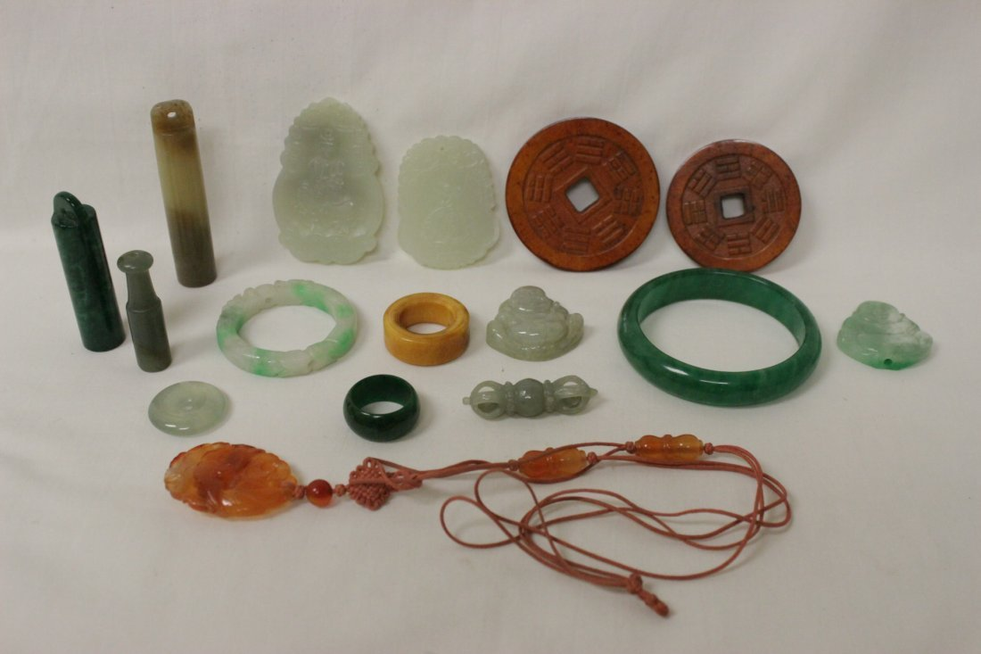 16 pieces misc. jade and amber like items