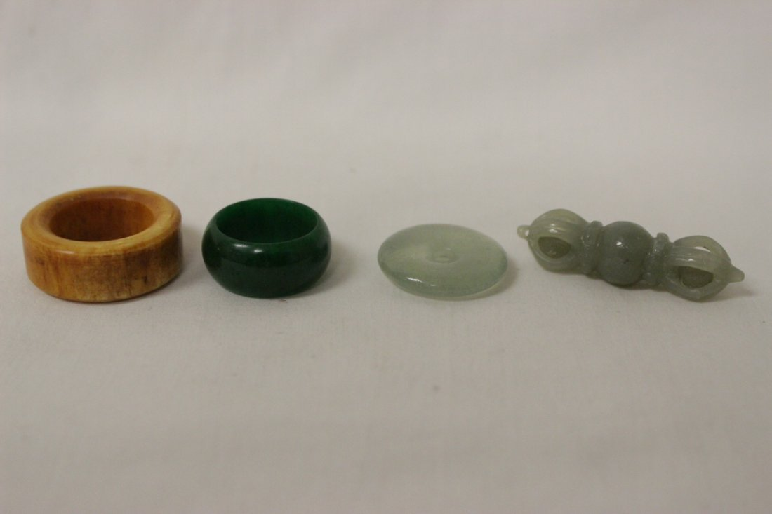 16 pieces misc. jade and amber like items - 8