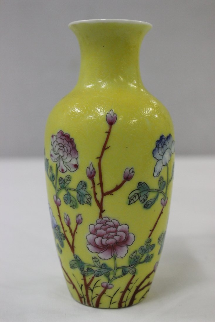 Pair Chinese early 20th c. export porcelain vases - 5