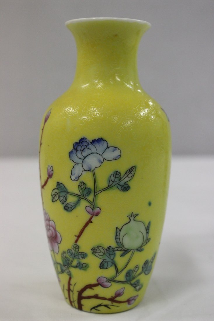 Pair Chinese early 20th c. export porcelain vases - 6