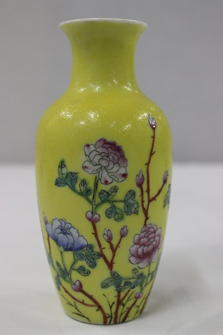 Pair Chinese early 20th c. export porcelain vases - 7