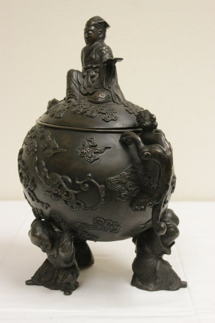 Chinese 18th/19th c. large bronze covered urn - 5