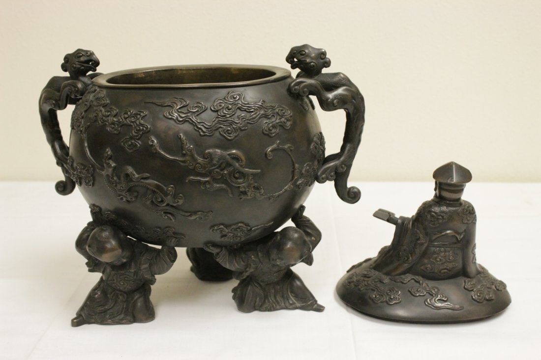 Chinese 18th/19th c. large bronze covered urn - 7