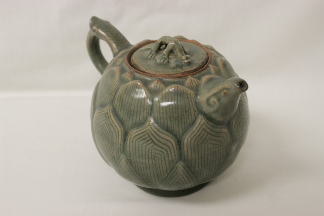 Chinese celadon teapot in the form of lotus flower - 3