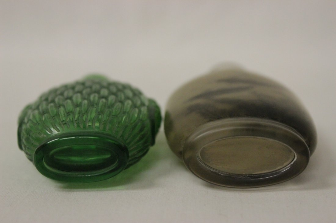 2 Chinese snuff bottles - 5