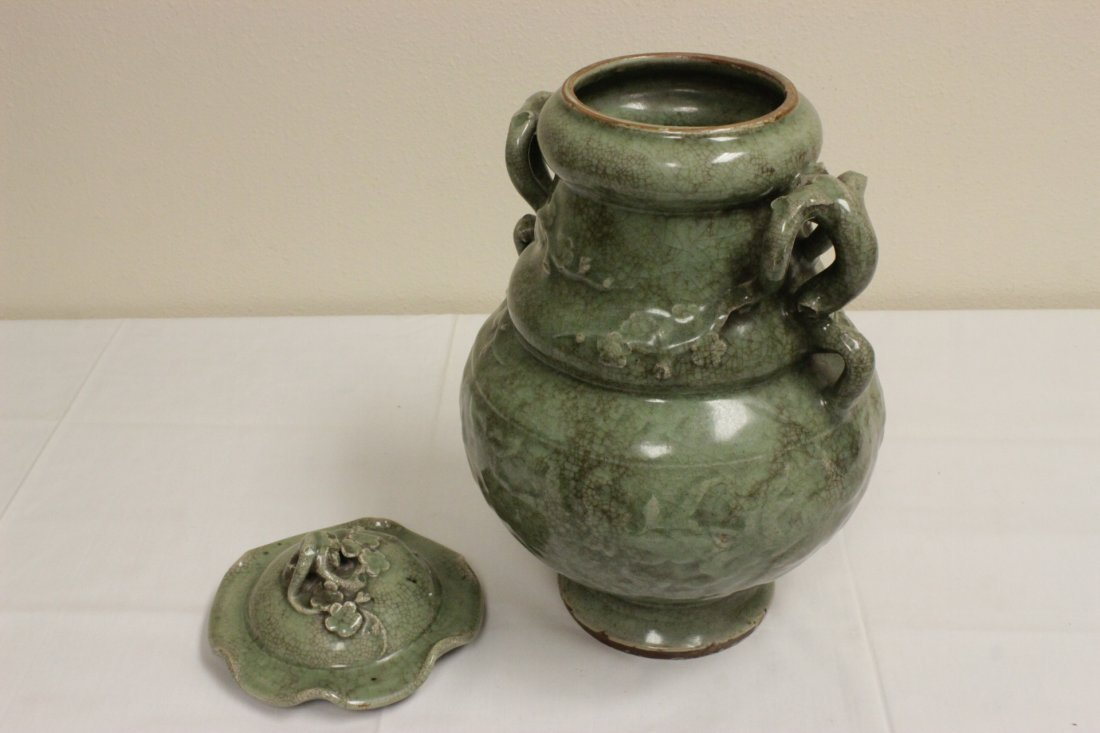 Chinese Song style large celadon covered jar - 5