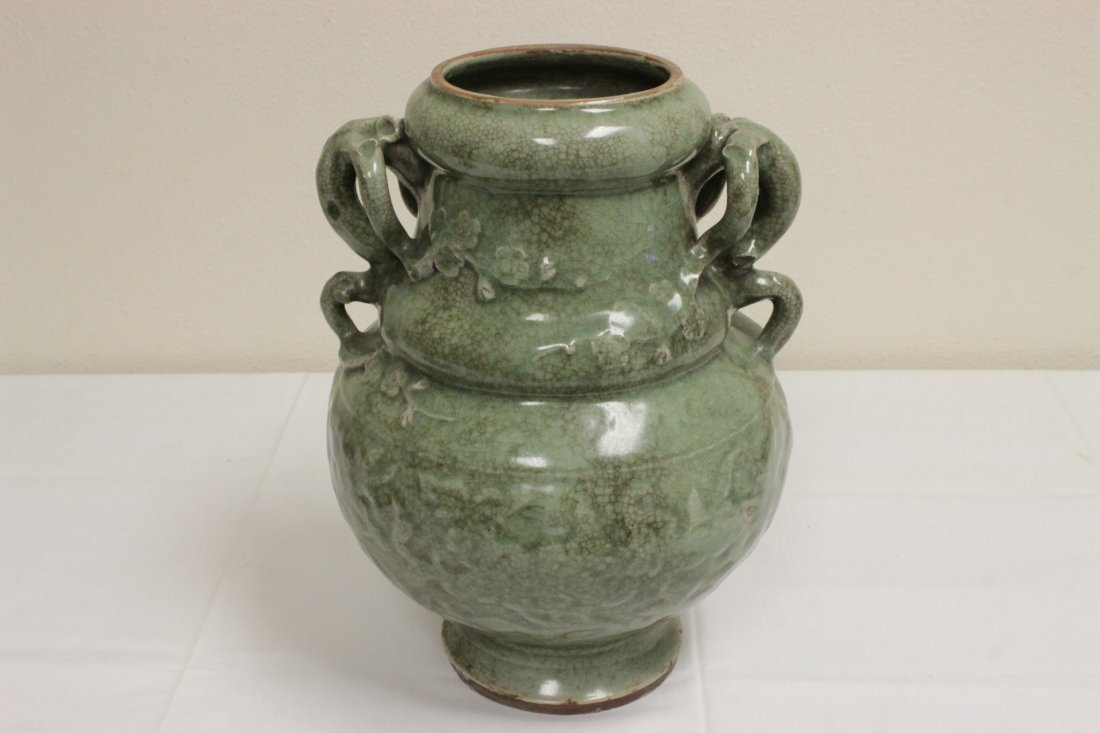 Chinese Song style large celadon covered jar - 7