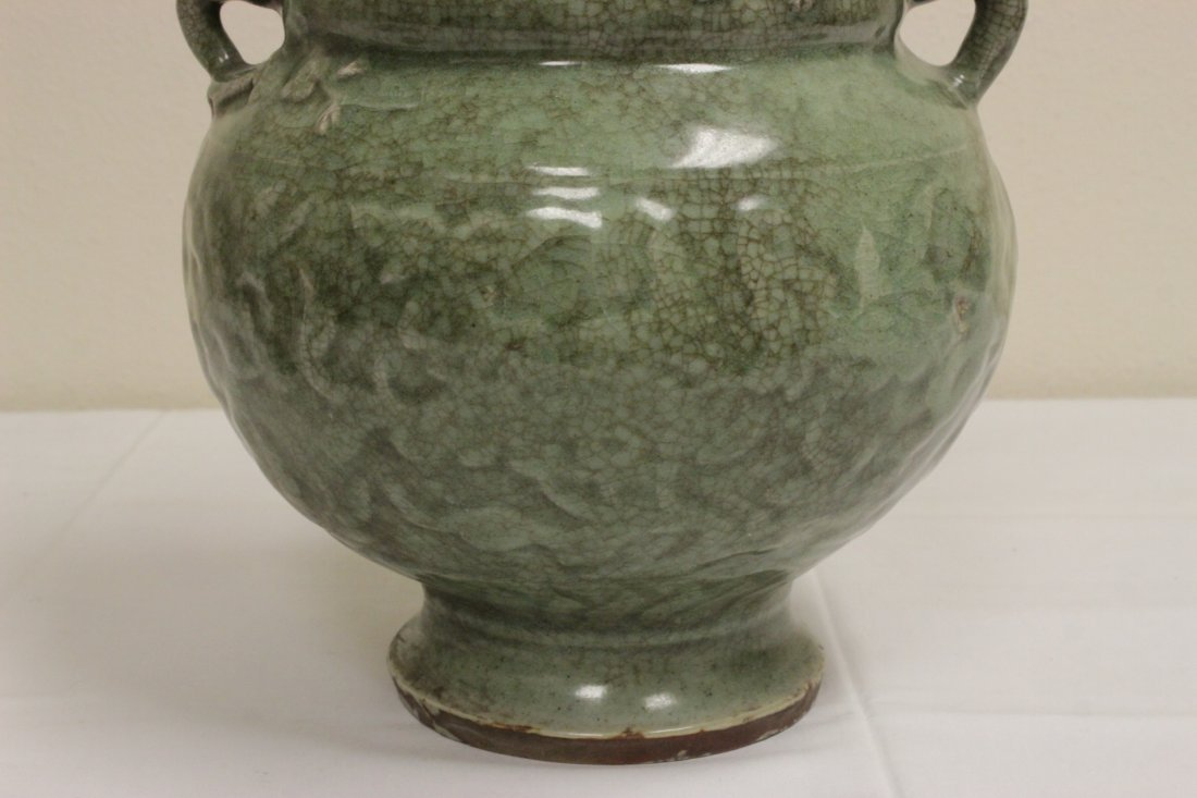 Chinese Song style large celadon covered jar - 8
