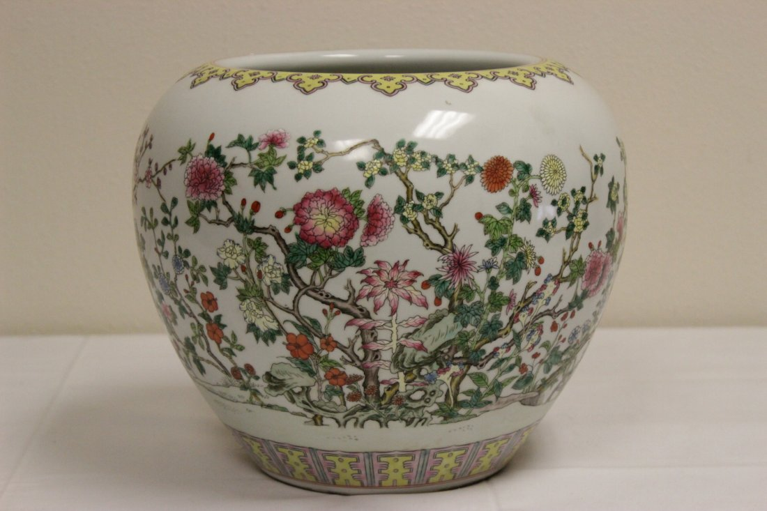 Chinese famille rose porcelain planter - 2