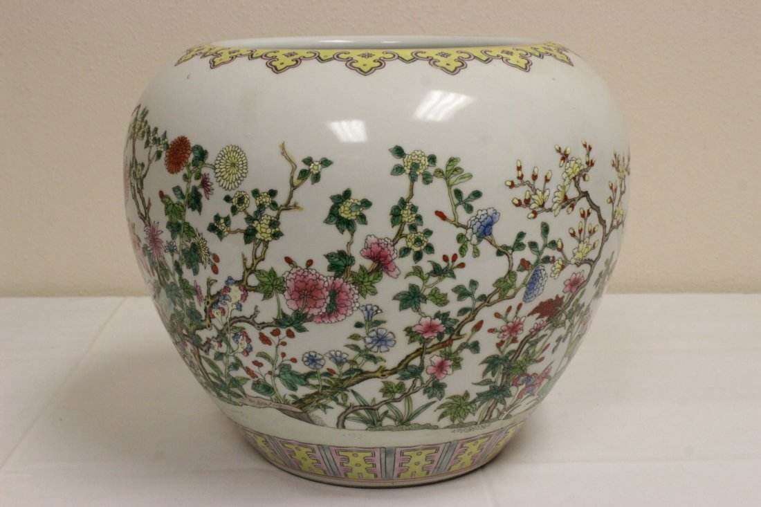 Chinese famille rose porcelain planter - 4