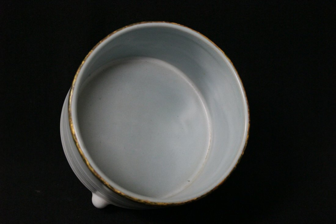 Chinese Song style porcelain footed censer - 7