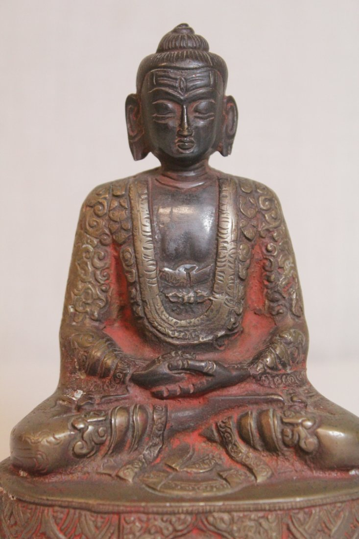 Bronze sculpture of seated Buddha - 7