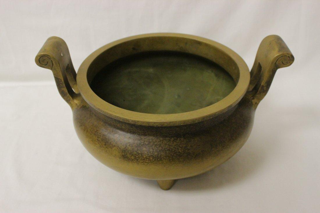 Large Chinese bronze handled censer - 2