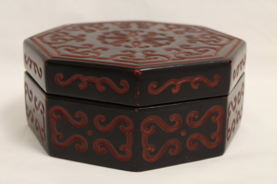 Chinese octagonal lacquer box - 3