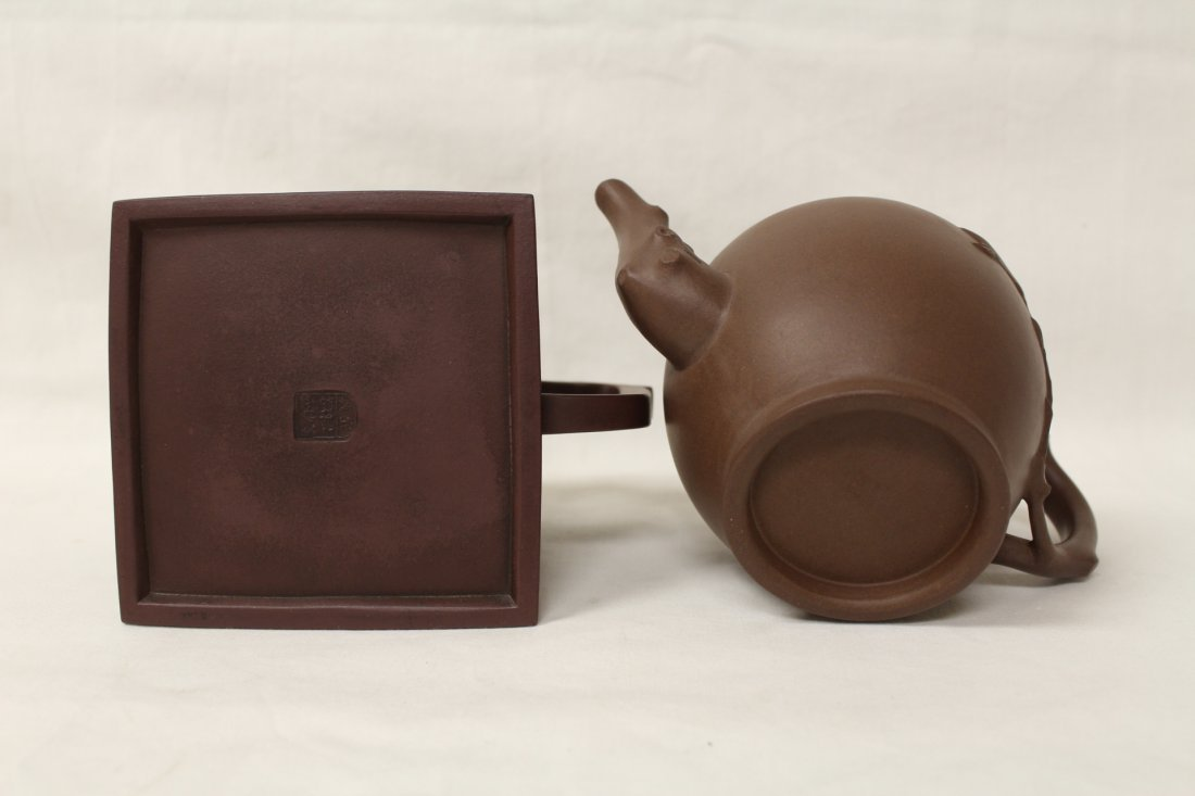 2 Chinese Yixing clay teapots - 10