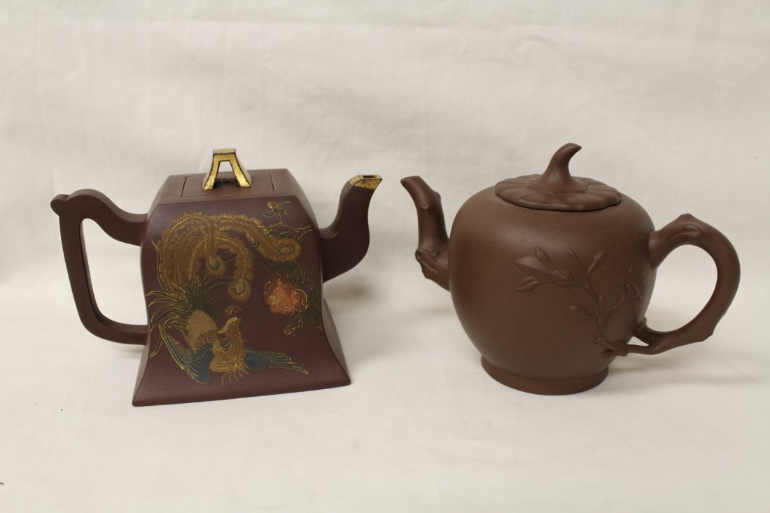 2 Chinese Yixing clay teapots