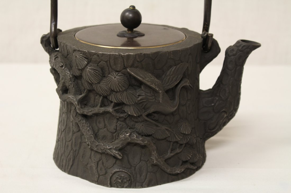 Chinese cast iron teapot - 2