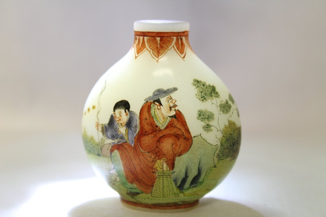 Chinese enamel on milk glass snuff bottle - 10