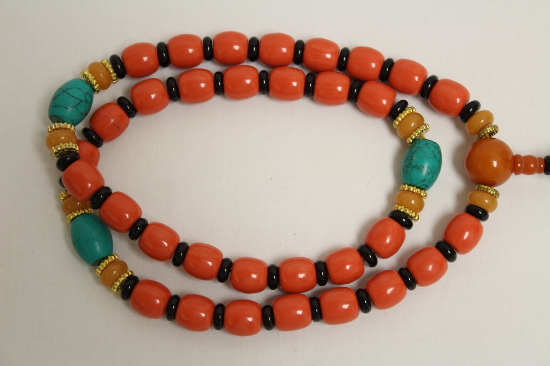 Possible zitan wood brush mountain & 2 bead necklaces - 9