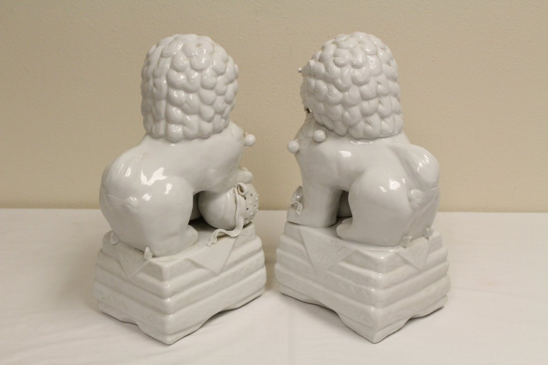 Pair Chinese white porcelain fulion - 4