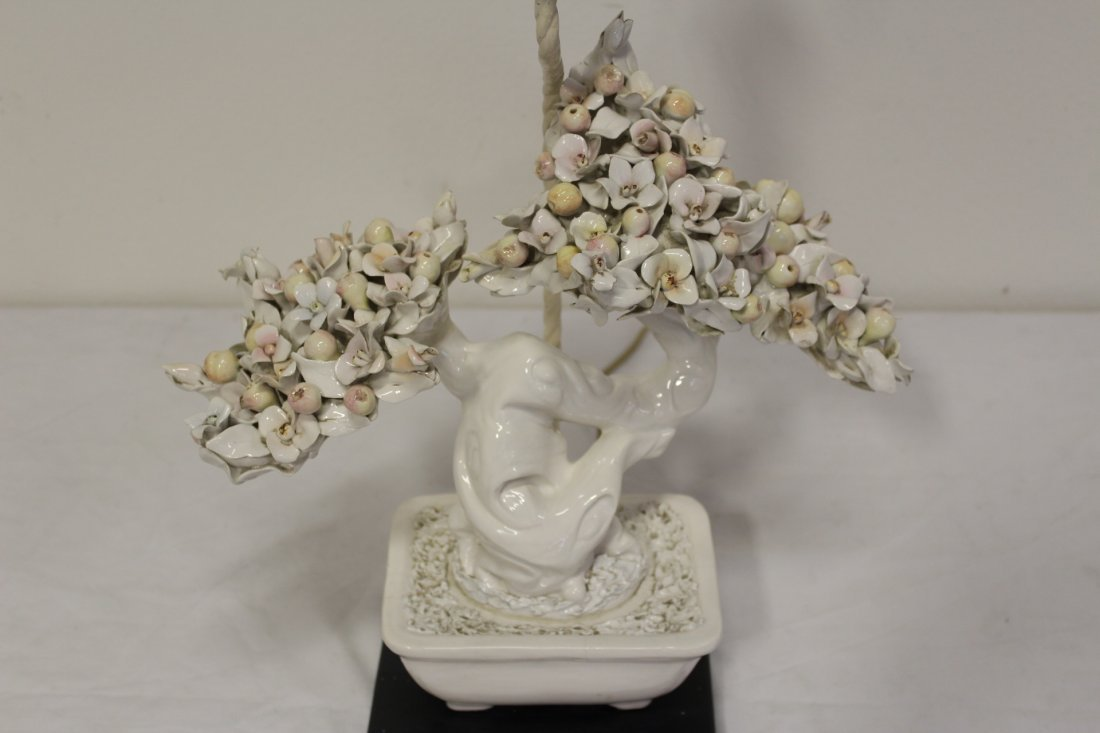 A table lamp with white porcelain fruit tree - 4