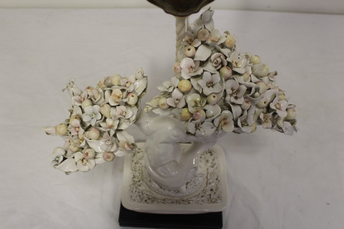 A table lamp with white porcelain fruit tree - 7