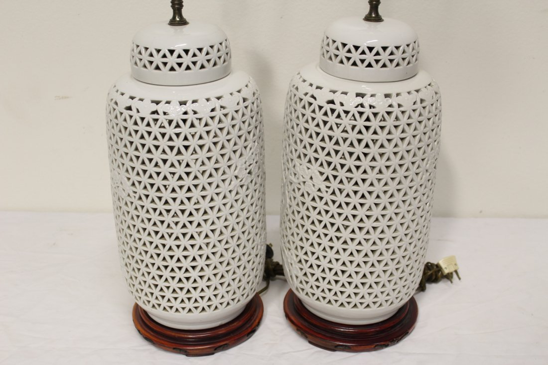 Pr Chinese porcelain covered jar made as lamps - 3