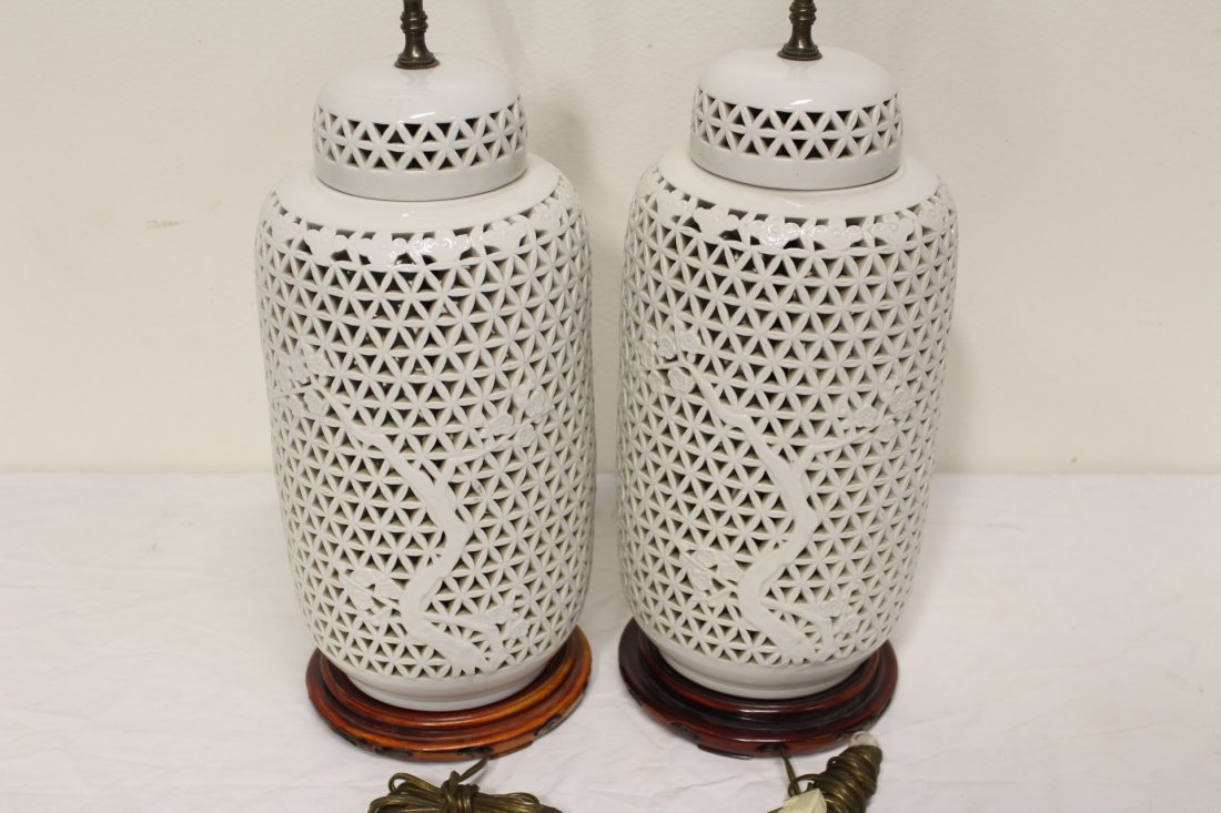 Pr Chinese porcelain covered jar made as lamps - 4
