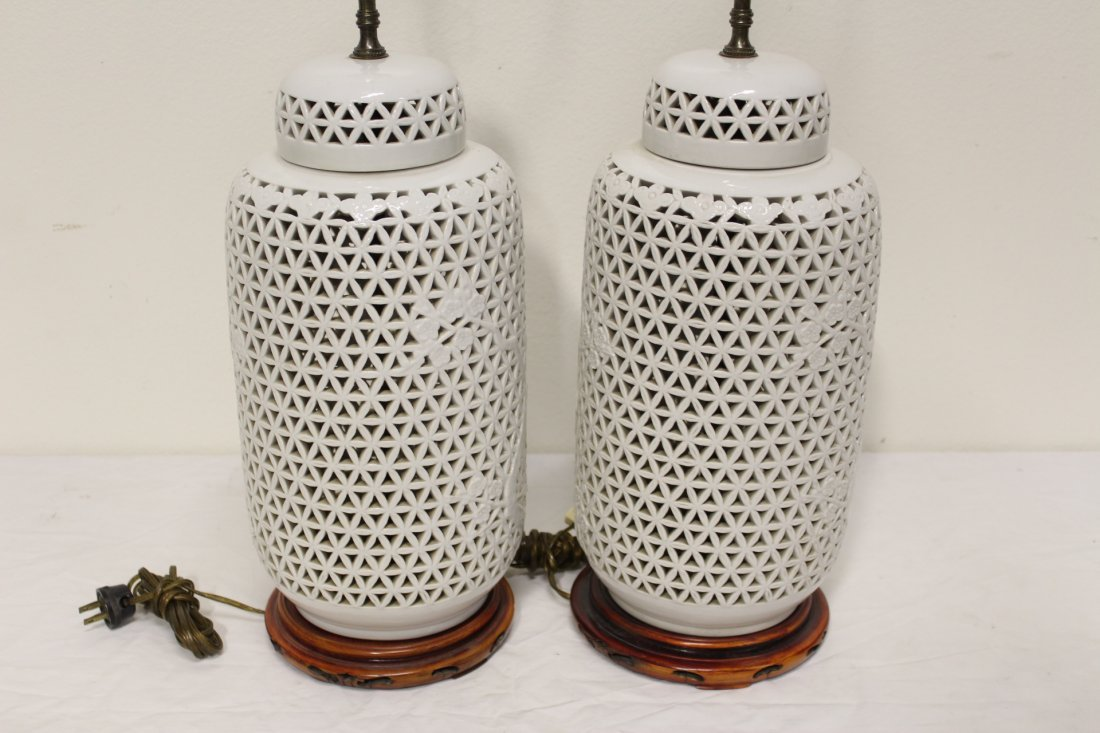 Pr Chinese porcelain covered jar made as lamps - 5