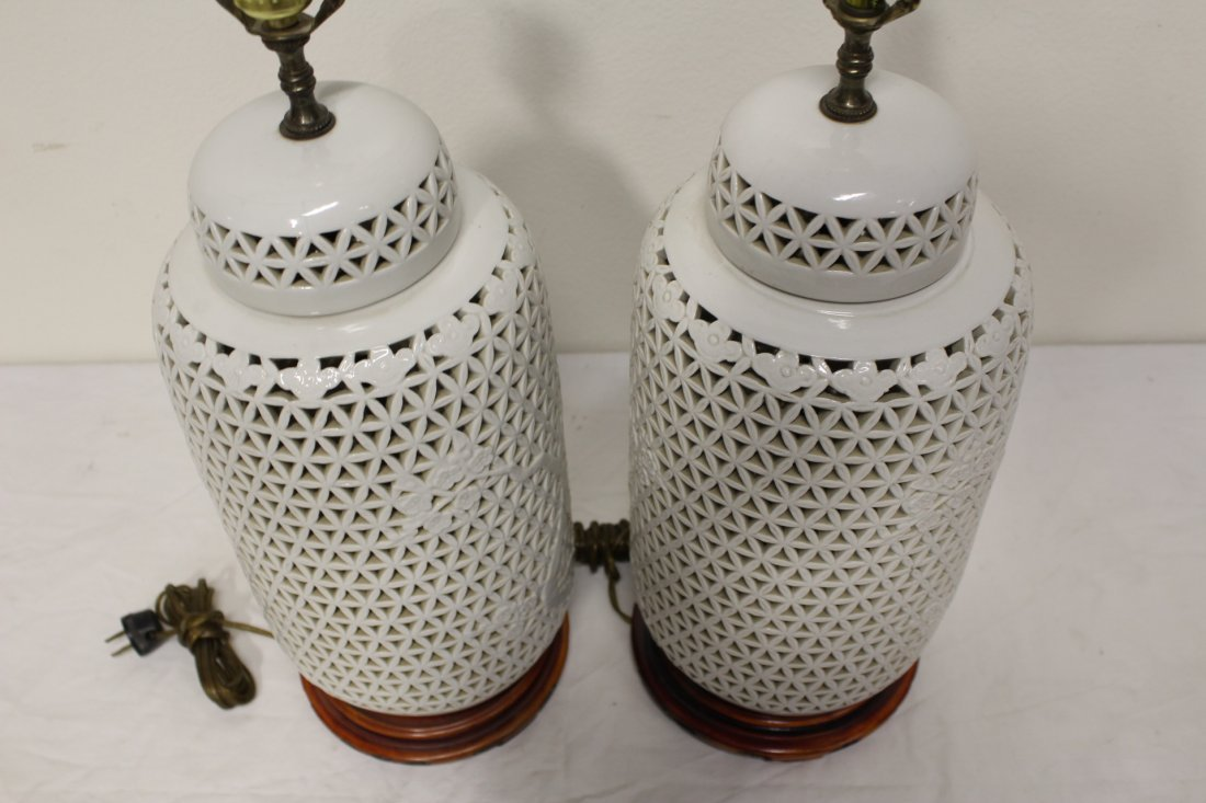 Pr Chinese porcelain covered jar made as lamps - 6
