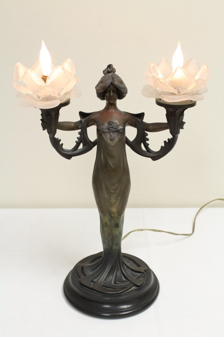 Bronze lamp with base in nude motif