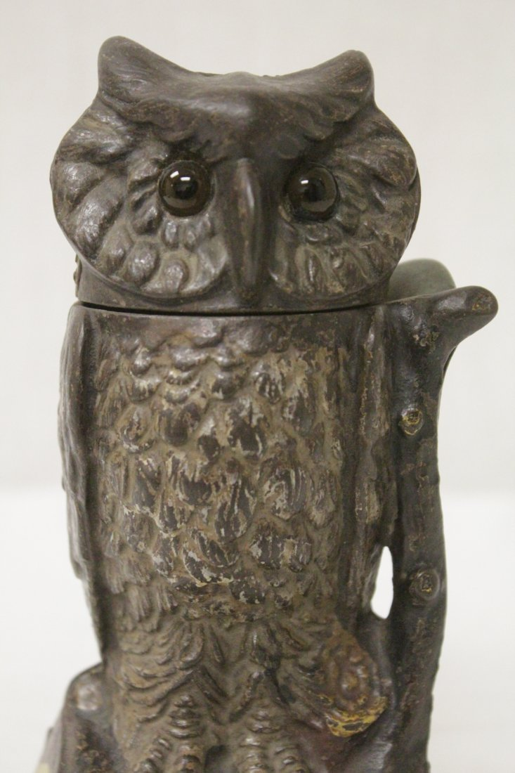 "Vintage cast iron bank ""turning head owl"" - 6"