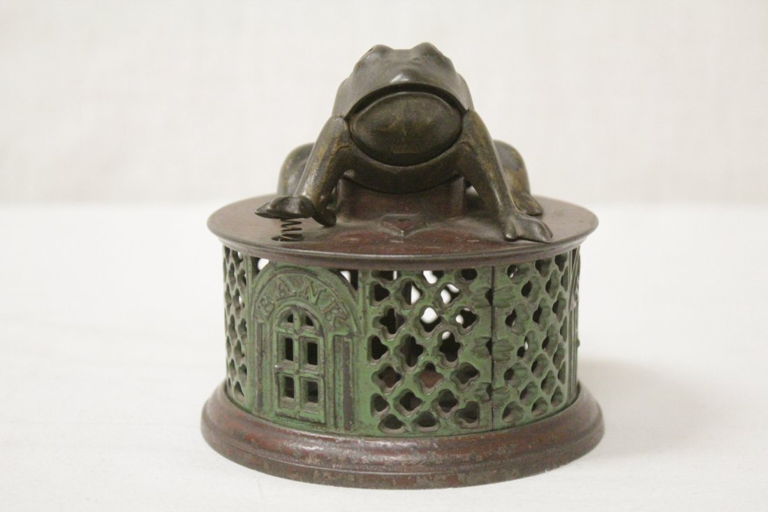"Vintage cast iron bank ""frog bank"" - 2"