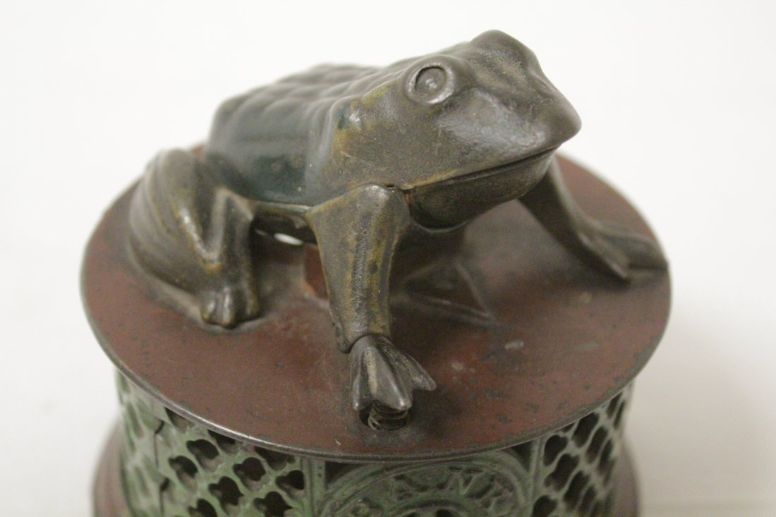 "Vintage cast iron bank ""frog bank"" - 7"