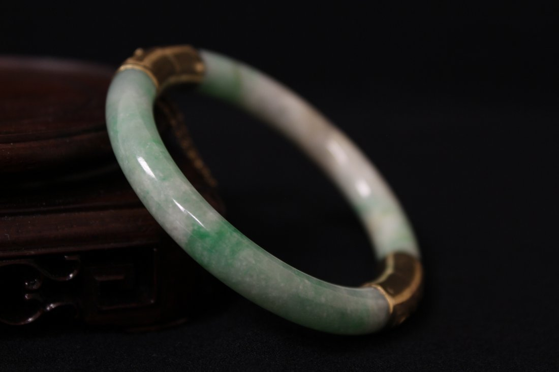 Chinese antique jadeite bracelet with 14K spacer - 9