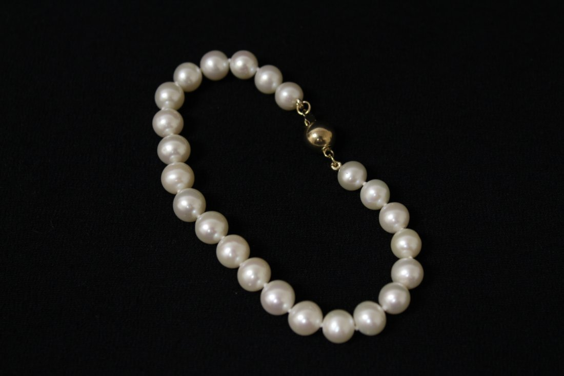 2 fresh water pearl necklace, and a  bracelet - 6
