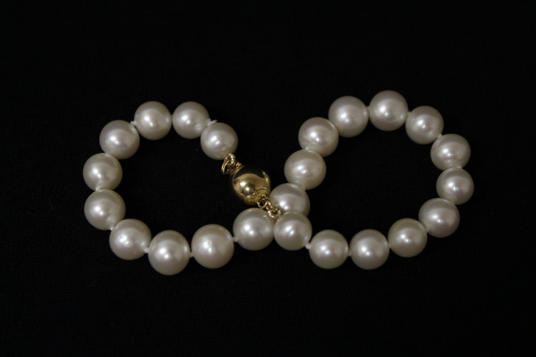 2 fresh water pearl necklace, and a  bracelet - 7