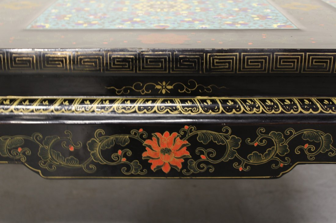 Chinese lacquer low table with 3 cloisonne plaques - 6