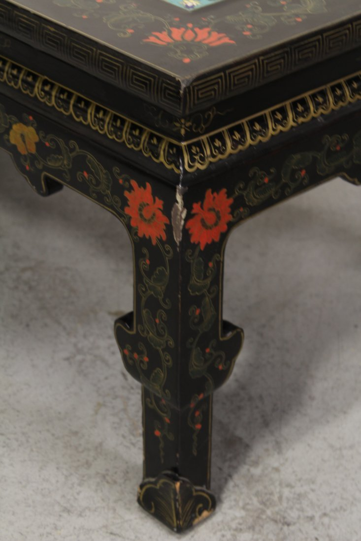 Chinese lacquer low table with 3 cloisonne plaques - 8