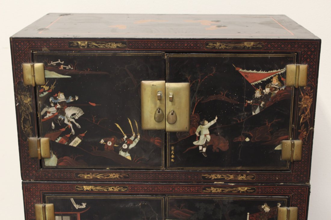 Chinese 19th c. 2-section painted lacquer chest - 2