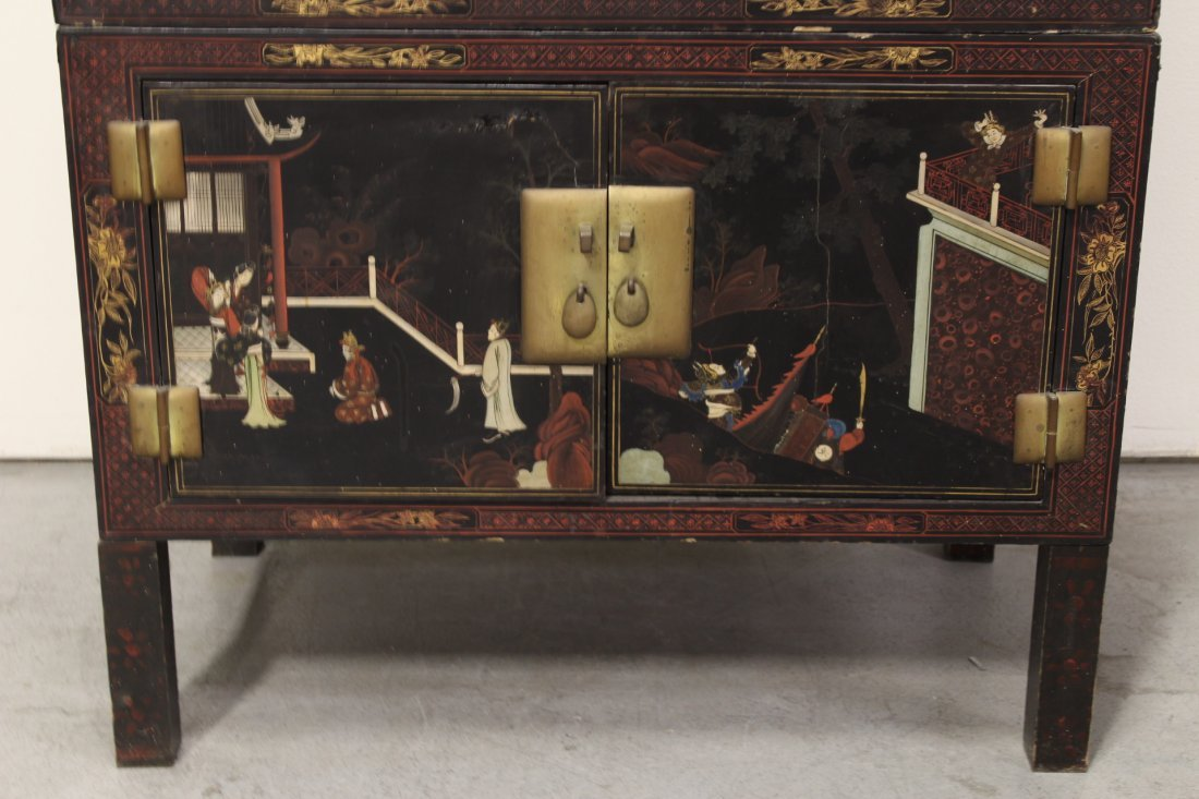 Chinese 19th c. 2-section painted lacquer chest - 3