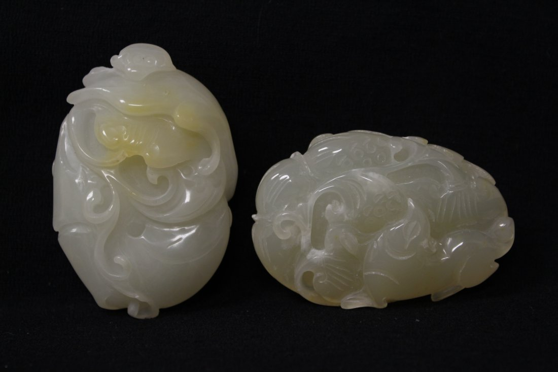 2 Chinese agate carved ornament