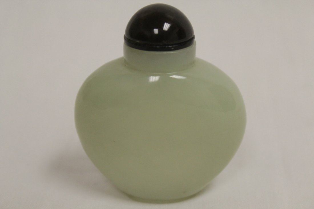 Chinese antique celadon jade carved snuff bottle - 2